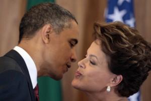 Бразилия отменила визит президента в США Барак Обама и Дилма Русеф Фото: Pedro Santana / AFP