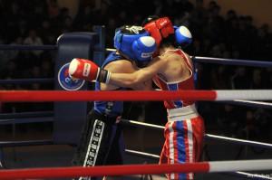 «Серебро» и 2000 долларов получил боксер из Атырау в Чечне Иллюстративное фото с сайта azh.kz