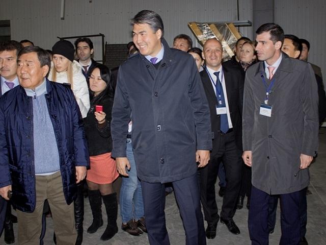 Исекешев посетил «АгромашХолдинг» Фото auto.lafa.kz