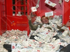 """""""Нур Отан"""" предлагает ввести налог на роскошь только для богатых фото с сайта proza.ru"""