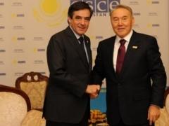 Назарбаев принял экс-премьер-министров Франции и Испании фото с сайта ambafrance-kz.org