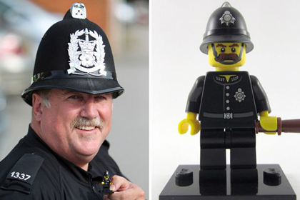 Новости - Британский полицейский нашел своего клона в «Лего» Фото: Mirror
