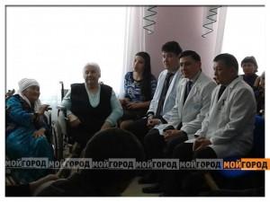 Постояльцы дома престарелых рассказали акиму Уральска, как хорошо им там живется (ВИДЕО) mart84
