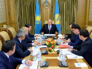 Назарбаев поручил усилить военные группировки на юге и западе Казахстана  Фото с сайта www.akorda.kz