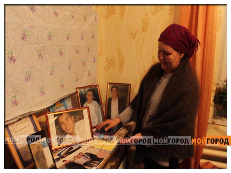 Новости - У погибшего в части солдата из ЗКО на запястьях были следы от наручников (видео) arman2