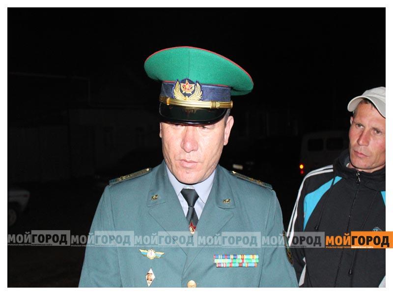 Новости - У погибшего в части солдата из ЗКО на запястьях были следы от наручников (видео) arman3