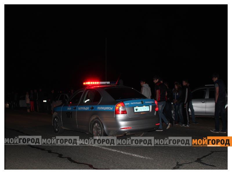 Новости Уральск - В Уральске на гонках полицейские переписывали госномера  avto3