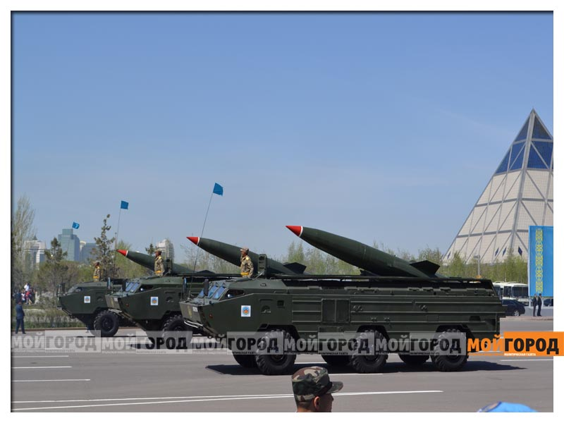 В Астане прошел масштабный военный парад parad13