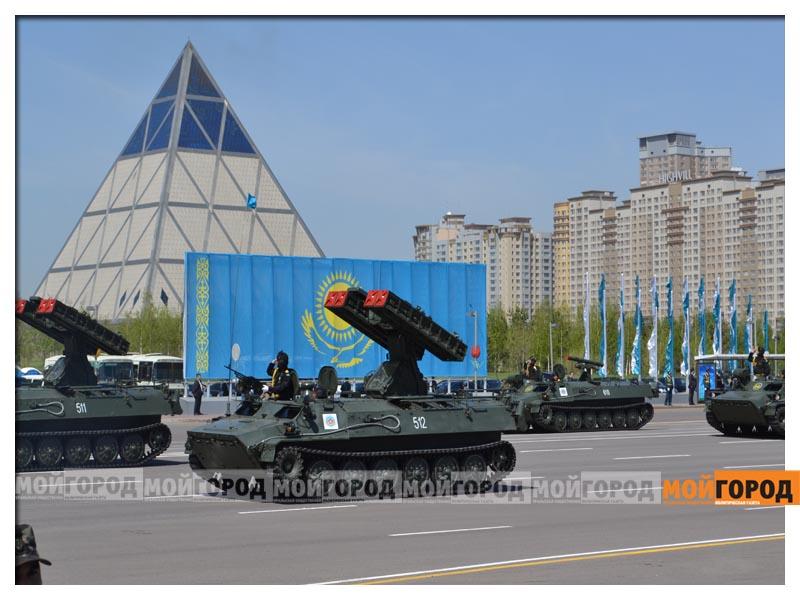 В Астане прошел масштабный военный парад parad14