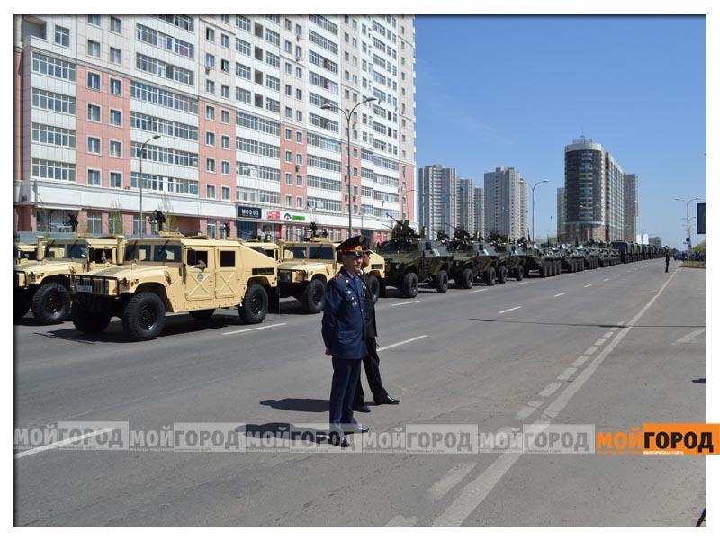 В Астане прошел масштабный военный парад parad4