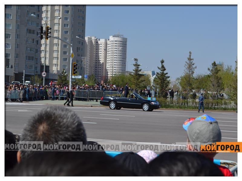 В Астане прошел масштабный военный парад parad6