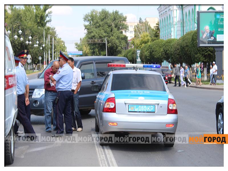 В Уральске на светофоре сбили пешехода noga1
