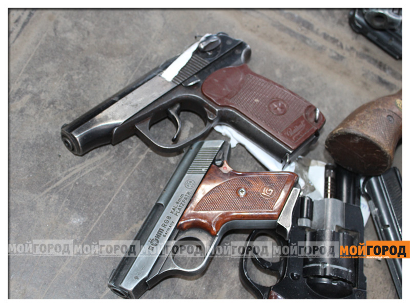 Новости Атырау - В аэропорту Атырау полицейский из табельного оружия ранил женщину