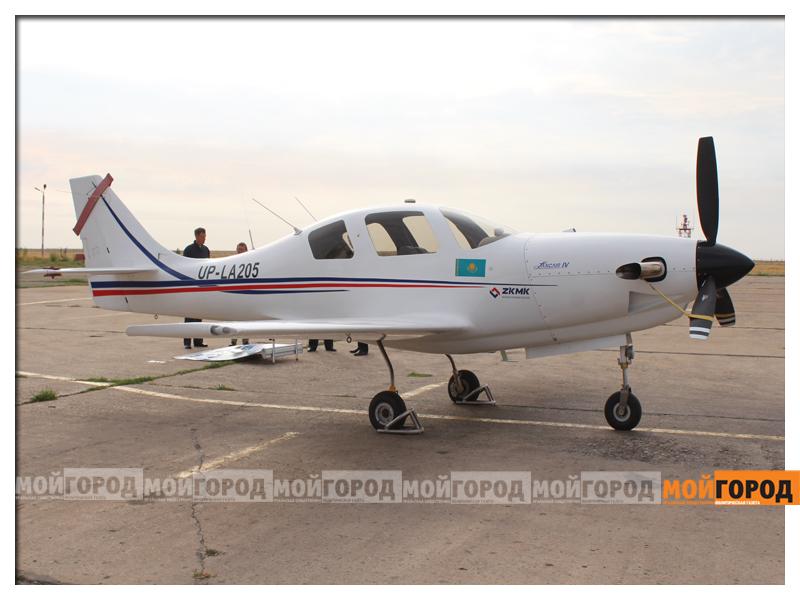 Министру обороны в Уральске показали самолет и корабли ahmetov11
