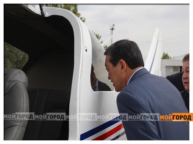 Министру обороны в Уральске показали самолет и корабли ahmetov8