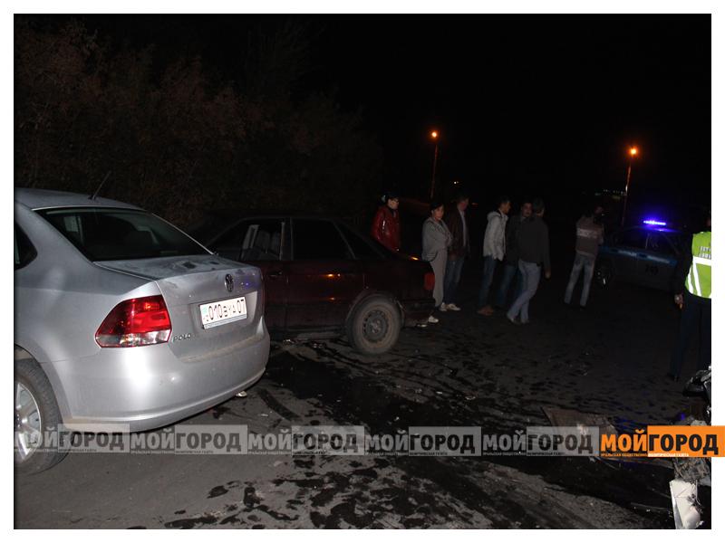 В Уральске в ДТП с участием трех машин пострадала девушка dtp