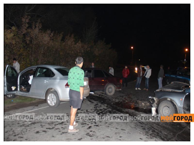 В Уральске в ДТП с участием трех машин пострадала девушка dtp2