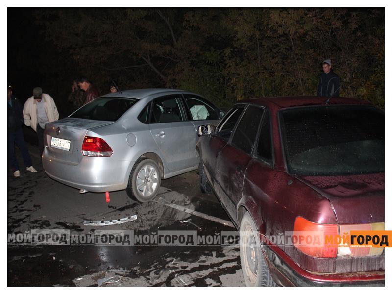 В Уральске в ДТП с участием трех машин пострадала девушка dtp4