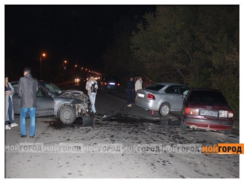 В Уральске в ДТП с участием трех машин пострадала девушка dtp5