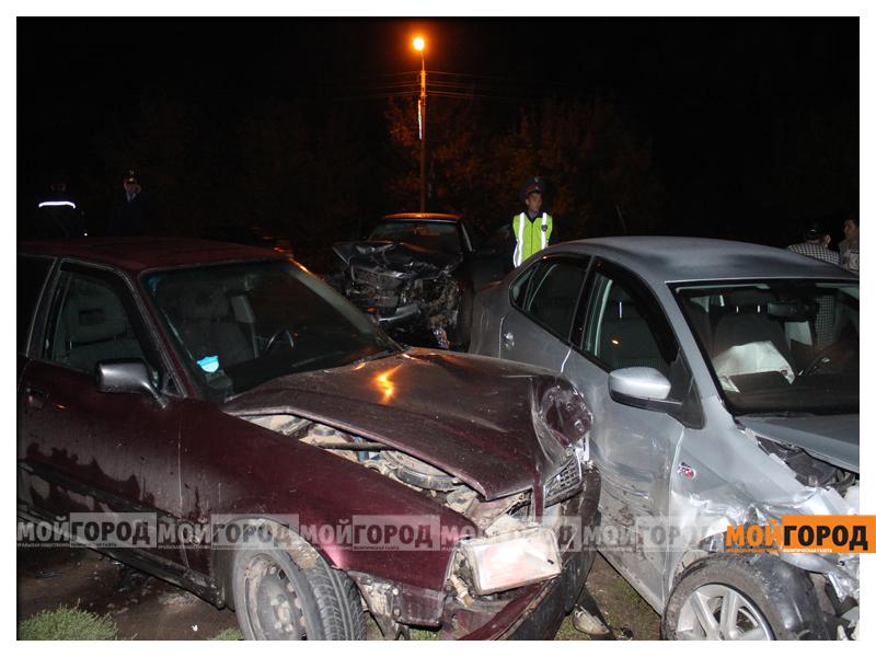 В Уральске в ДТП с участием трех машин пострадала девушка dtp8