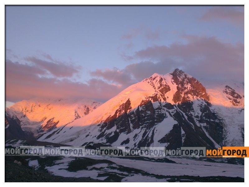 Открытка лучше гор могут быть только горы 55