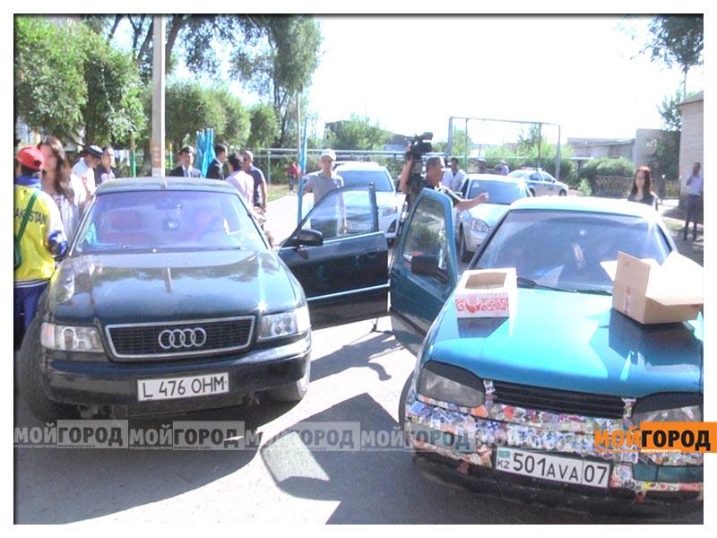Участники автопробега в Уральске собрали помощь детдомовцам probeg3
