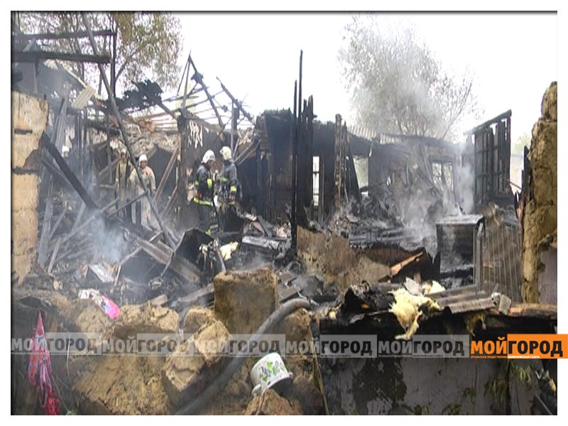 В Актобе дотла сгорело общежитие для семей военнослужащих aktobsh2