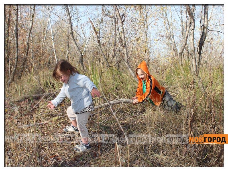Новости Уральск - В Уральске семья с малолетними детьми живет в лесу (видео) detivlesu29