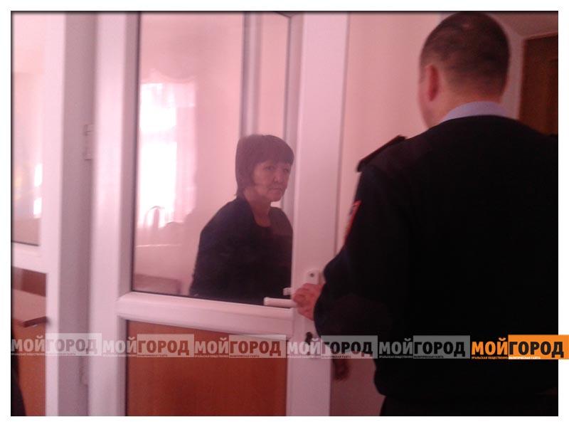 В Уральске женщина вытолкнула свою собутыльницу со второго этажа stolknula