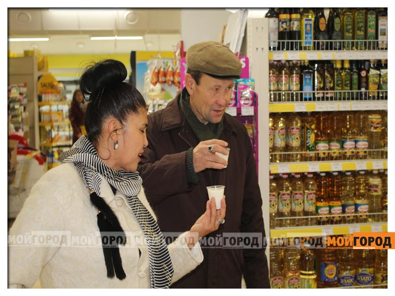 В супермаркете «Суровский» покупателей поздравили с праздником Курбан айт surovskii21