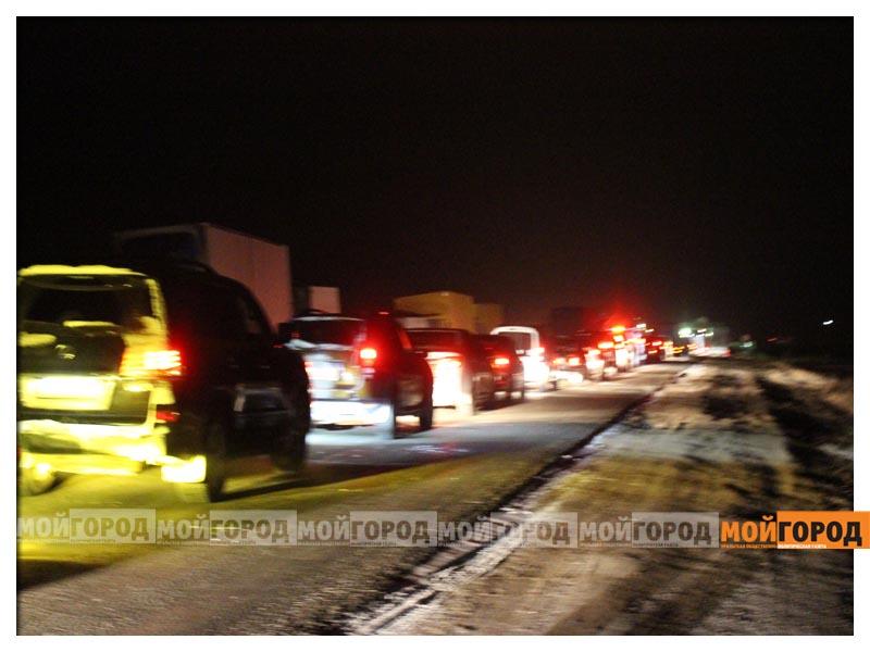 В ЗКО на казахстанско-российской границе образовался затор из сотен машин  gosgranica