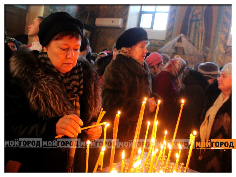 В Уральске православные христиане празднуют Рождество 01
