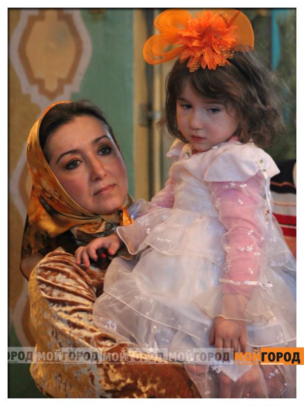 В Уральске православные христиане празднуют Рождество 06
