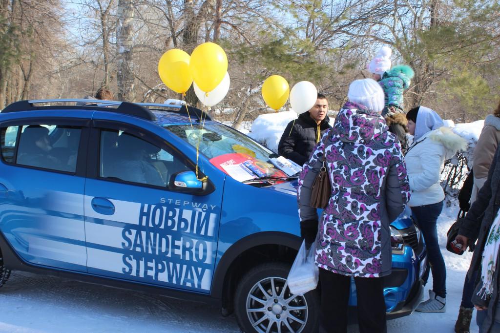 Компания «Урал-Кров-Авто» поздравила уральцев с Масленицей 1