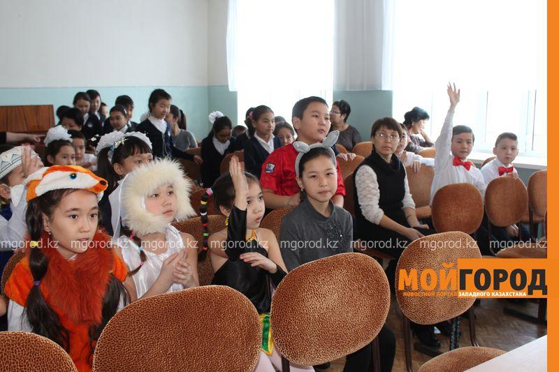 В Уральской школе дети показали сценку про лису-вымогательницу lisa_vymogatel