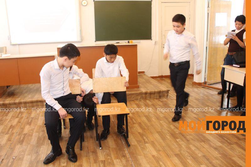 В Уральской школе дети показали сценку про лису-вымогательницу lisa_vymogatel11