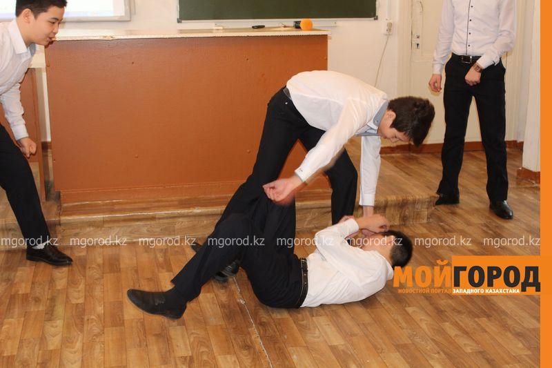 В Уральской школе дети показали сценку про лису-вымогательницу lisa_vymogatel12