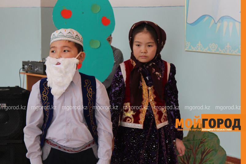 В Уральской школе дети показали сценку про лису-вымогательницу lisa_vymogatel2