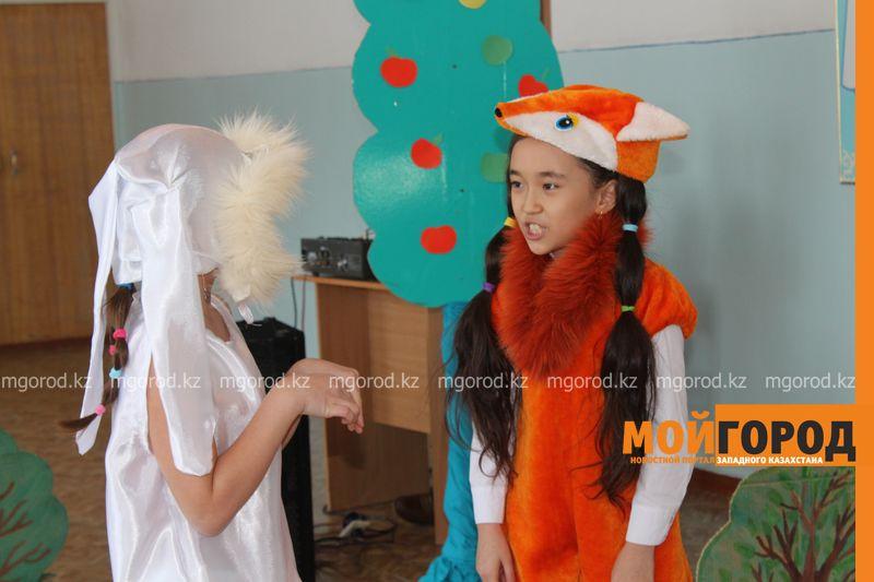 В Уральской школе дети показали сценку про лису-вымогательницу lisa_vymogatel3