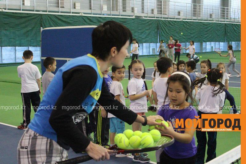 Уральских детей обучает теннису тренер из Украины ten_kort10