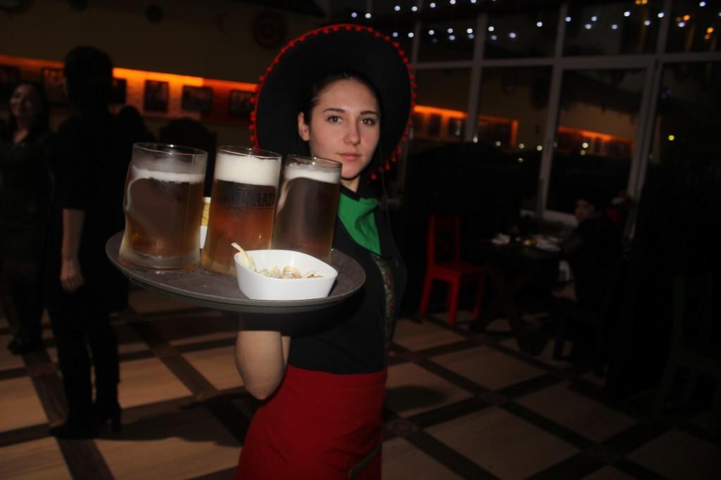 Дискобар «Кактус» приглашает жителей на вечеринку 12