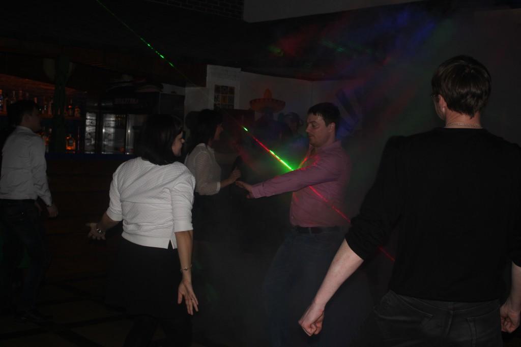 Дискобар «Кактус» приглашает жителей на вечеринку 13