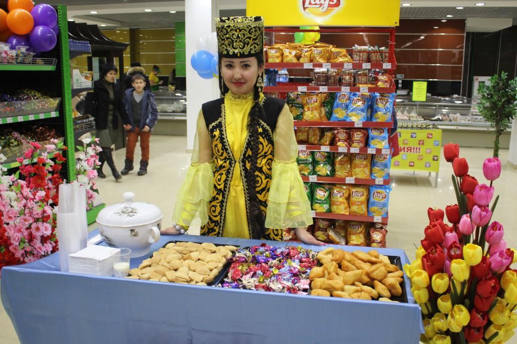 180-килограммовый торт подарил уральцам супермаркет «Атаба» 1