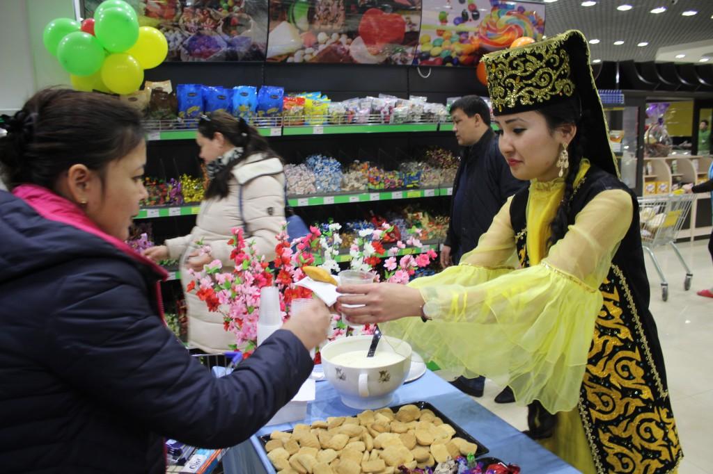 180-килограммовый торт подарил уральцам супермаркет «Атаба» 3