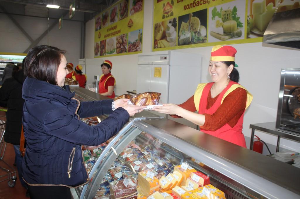 В Аксае открылся супермаркет «Алтындар» 8