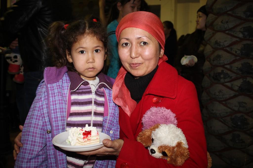 180-килограммовый торт подарил уральцам супермаркет «Атаба» 8