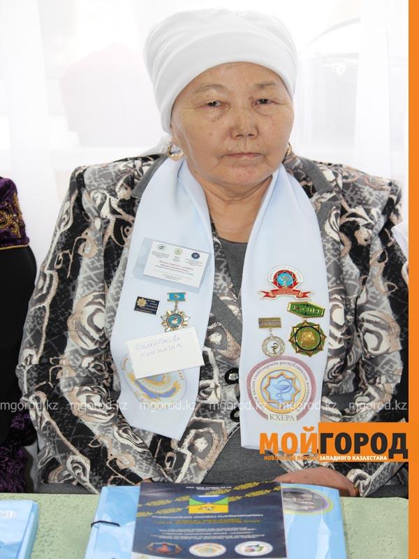 На семинар народных целителей в Уральск съехались больше 70 лекарей celitel5