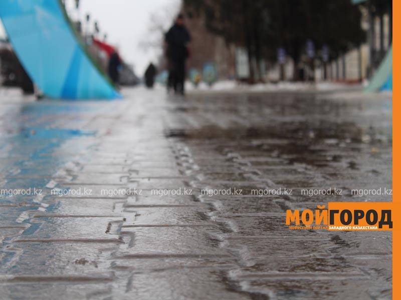 Новости Актобе - Более 30 человек получили серьезные травмы из-за гололеда в Актобе