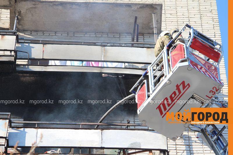 В Уральске из загоревшегося общежития эвакуировали 20 человек pojaromega (5)