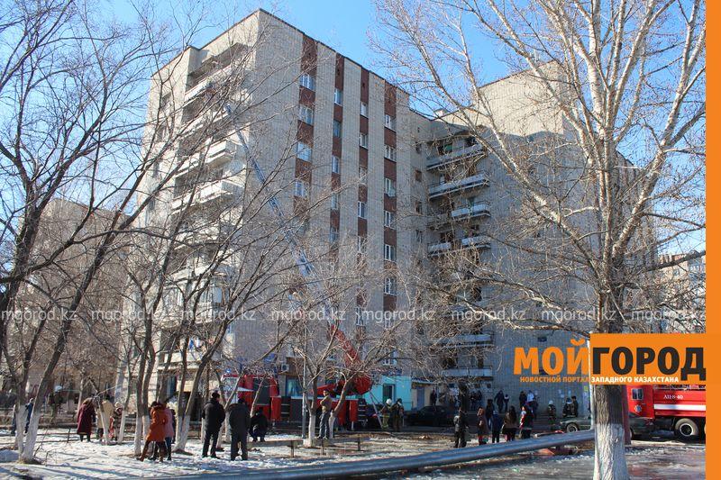 В Уральске из загоревшегося общежития эвакуировали 20 человек pojaromega (7)